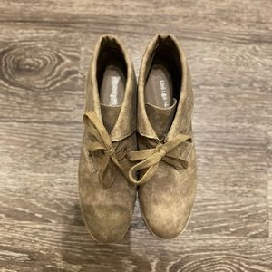 Indigo Shoes - NWOT Indigo Rd Brown Ankle Booties
